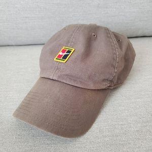 Nike Court Heritage 86 Logo Tennis Hat. Grey. Used